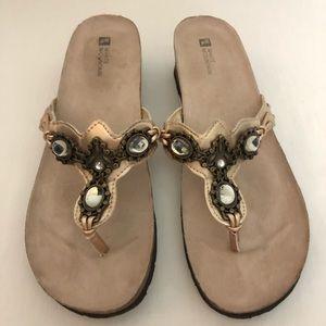 White Mountain Cardenia Thongs Sandals Size 11